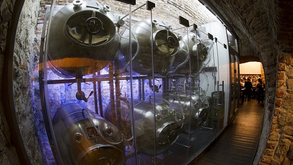 Beer from tanks