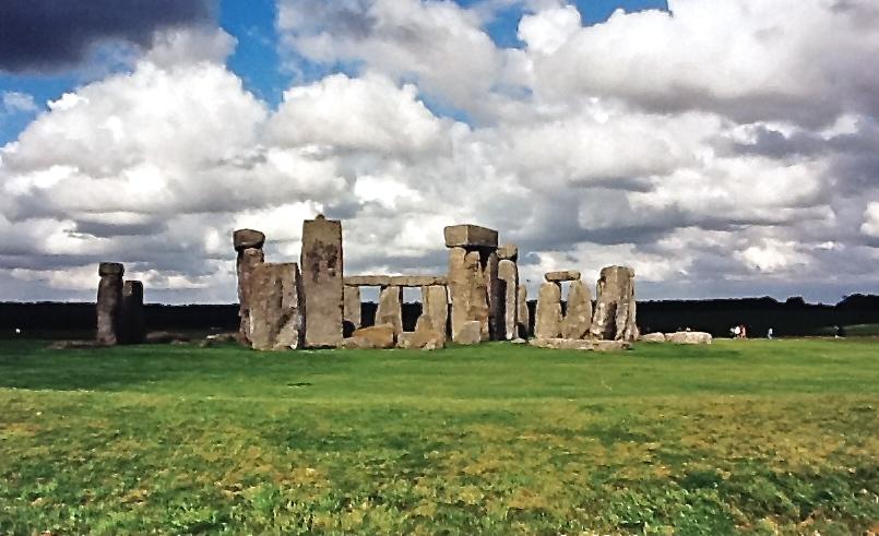 Stonehenge UK.jpg