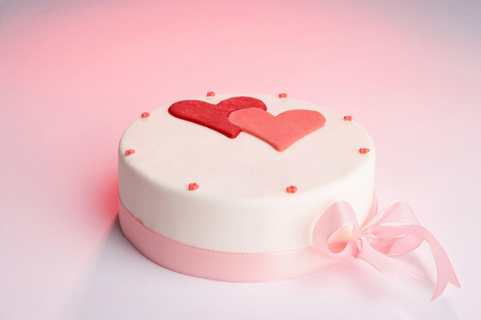 runde Geburtstag / Valentintagstorte
