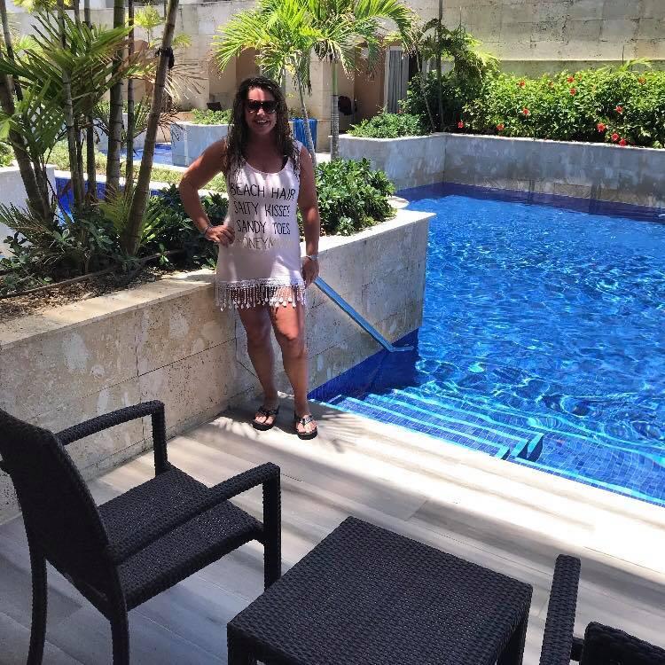 Swim Up Room!!!!
