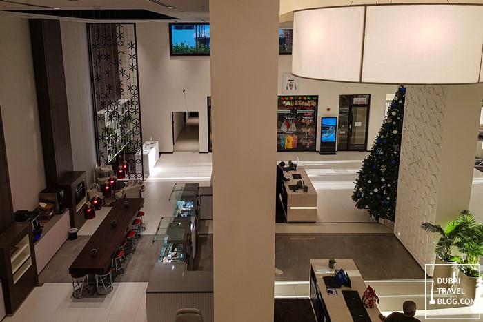 hotel lobby hyatt place dubai jumeirah