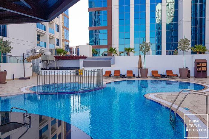 swimming pool hyatt place dubai jumeirah
