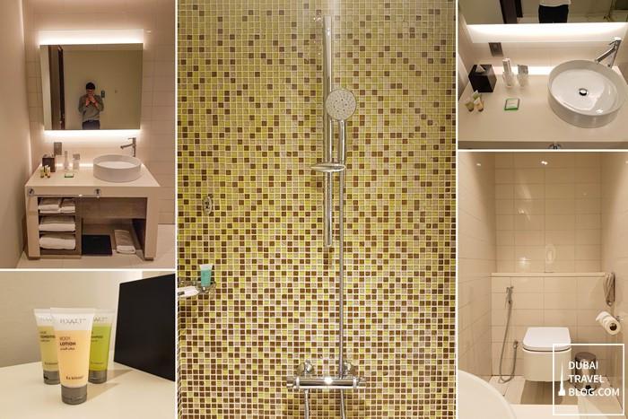 hyatt place jumeirah bathroom