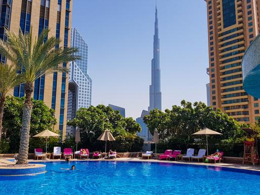 Swimming Pool & iKandy Ultralounge in Shangri-La Hotel Dubai