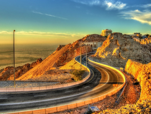 Top 5 routes in the UAE for those who love to drive