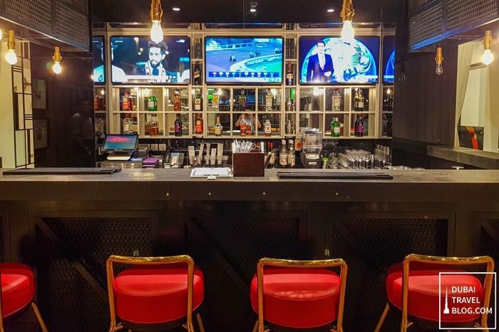 dubai hyatt place jumeirah bar