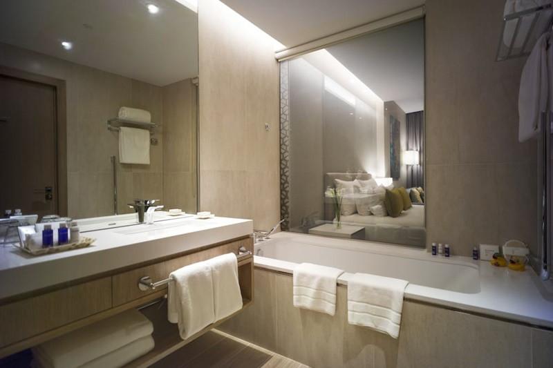 JA-Lake-View-Hotel-Bathroom