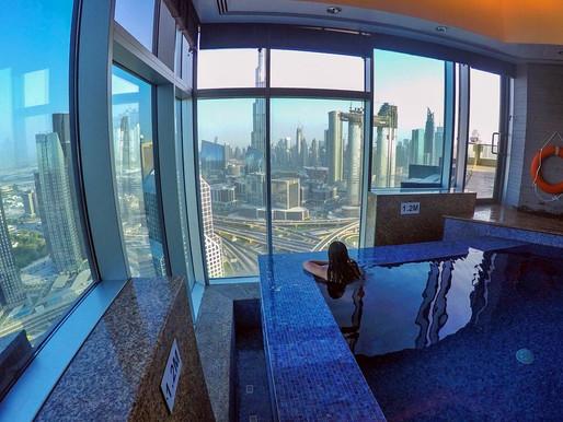 Me and the View at Level 42, Horizon Club of Shangri-La Dubai
