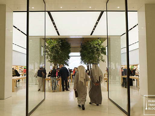 20 Photos of the Apple Store in Mall of the Emirates
