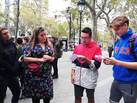 Fem de guies turístics per la Barcelona modernista