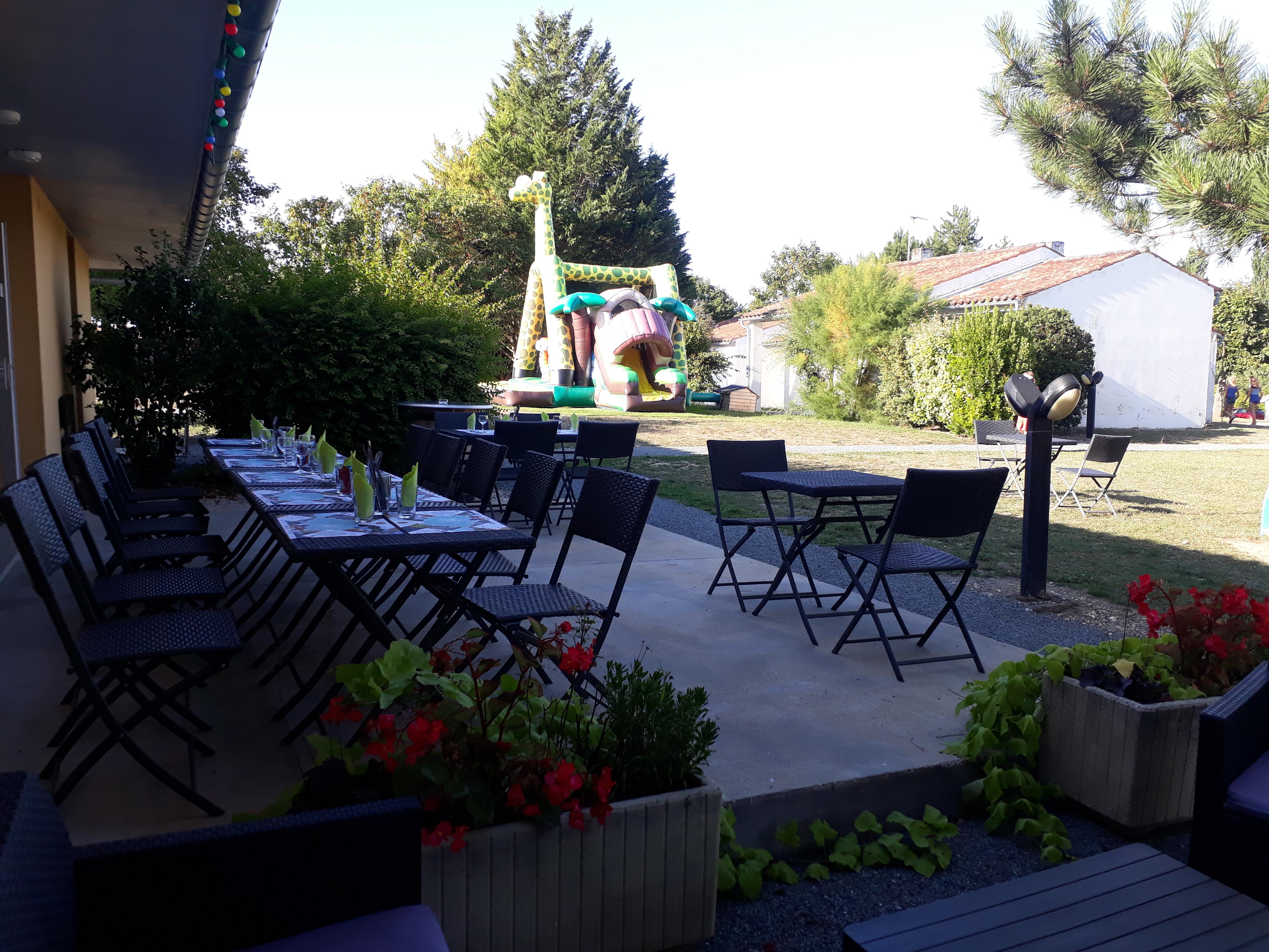 terrasse extérieure bar