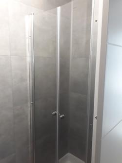 2 douches logement 8 personnes