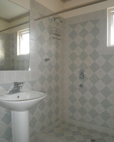 Bathroom, Ealing Park Apartmants