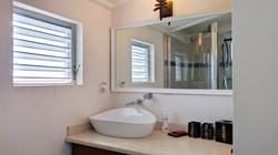 Ensuite Bathroom, The Mount, St. George