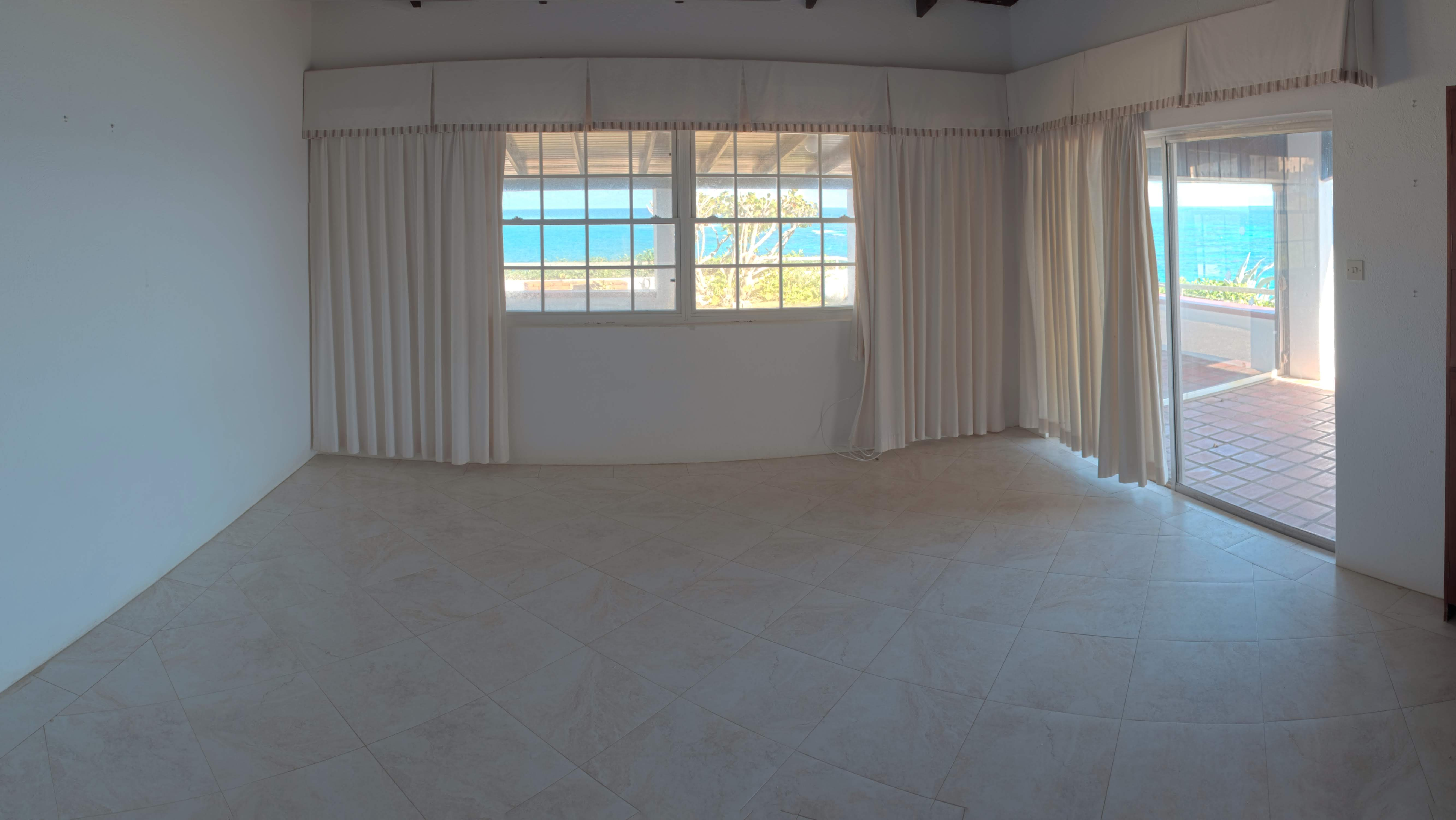 Living Room, The Crane, Breakers