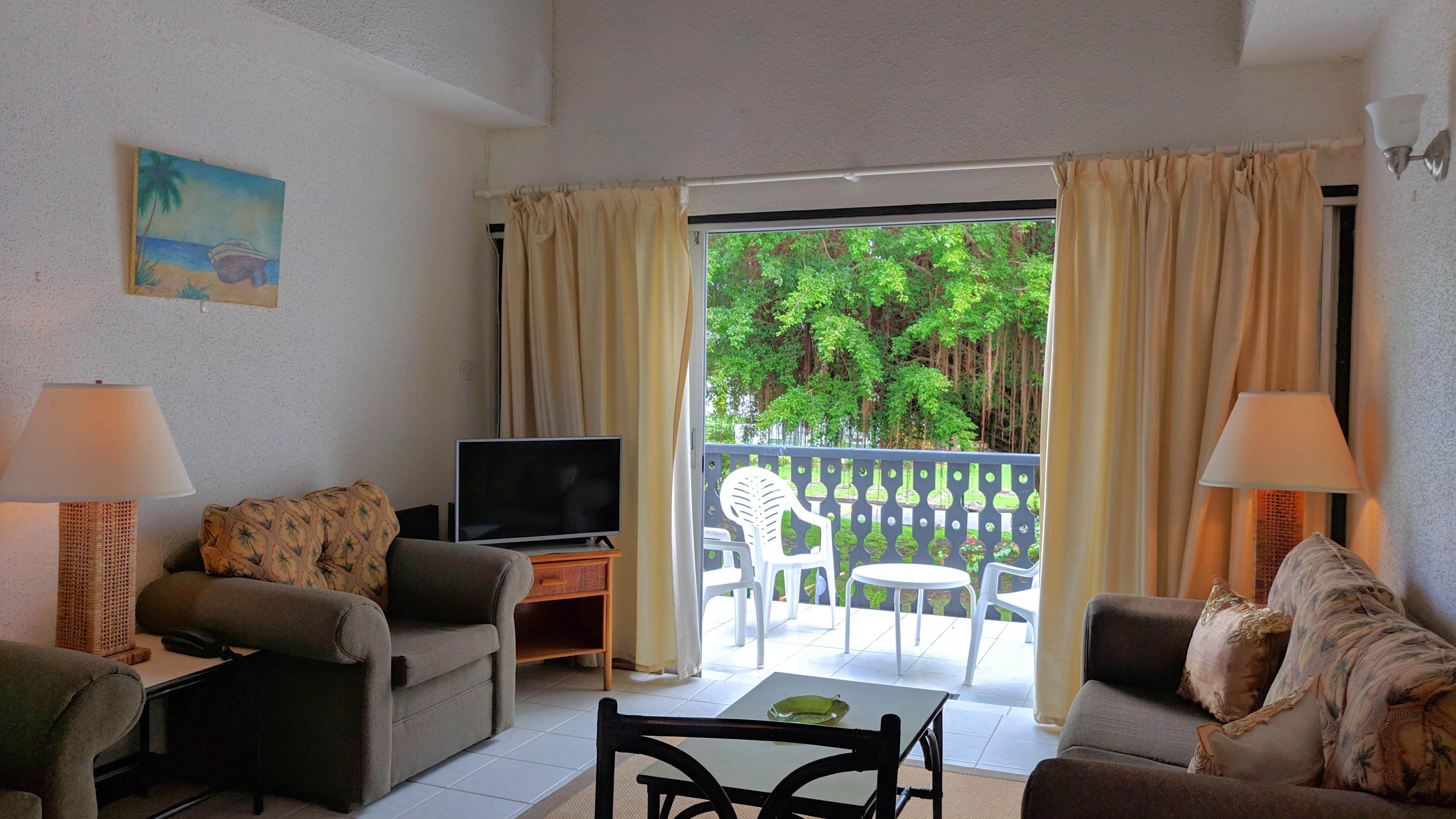Living Room, Club Rockley, Ch Ch