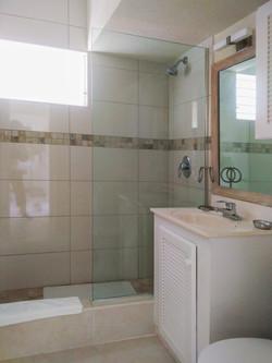 Bathroom, 418 Club Rockley