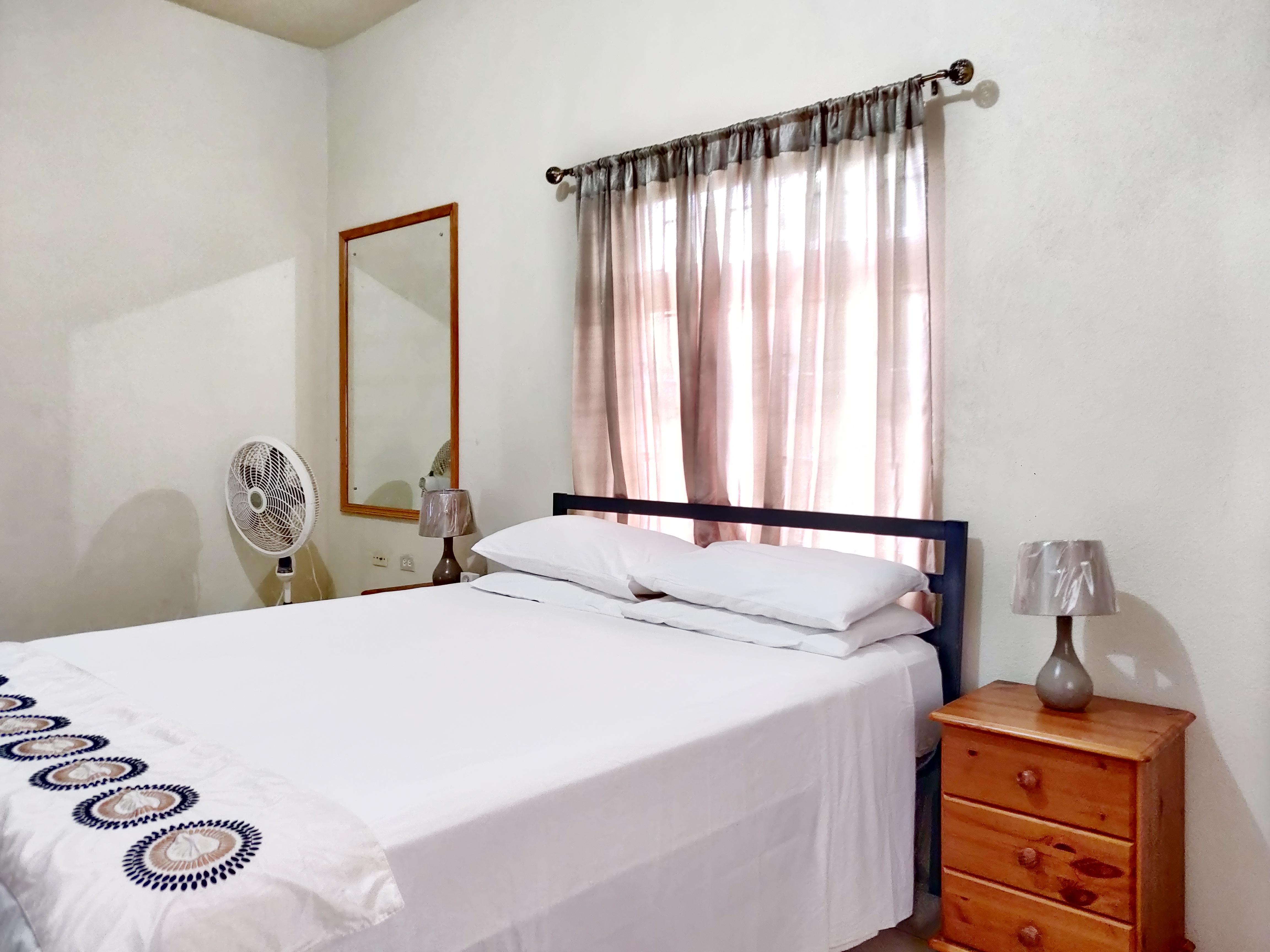 Bedroom, Blue Waters