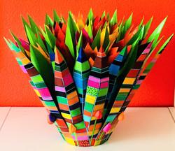 tulpobject met 19 kunsthars gekleurde tu