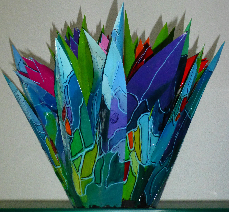 19 meerkleurige kartonnen tulpen met gro