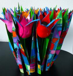 18 klei tulpen met gekleurde bladeren ui