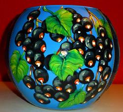 bolvaas (20 cm) met zwarte bessen