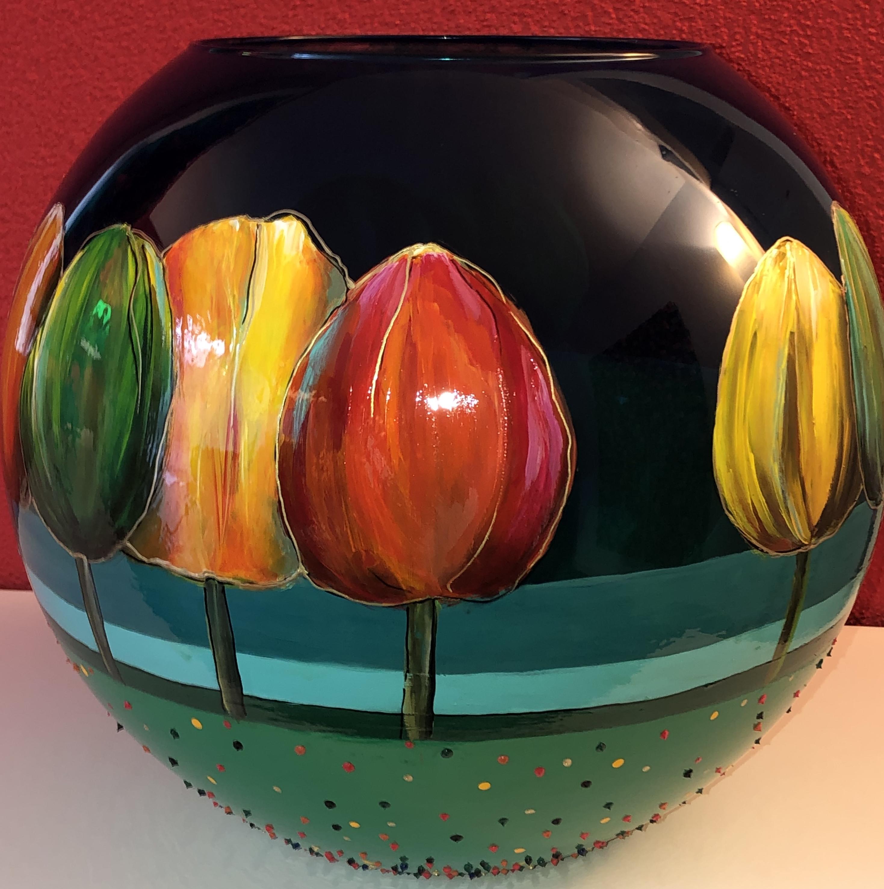 beschilderijde glazen vaas met bomen, au