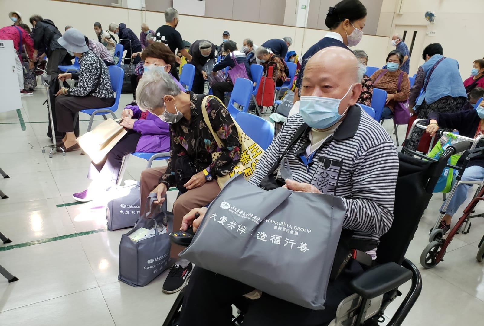 慈善 社區活動 派送防疫物資祝福包