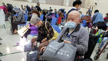 慈善 社區活動|派送防疫物資祝福包