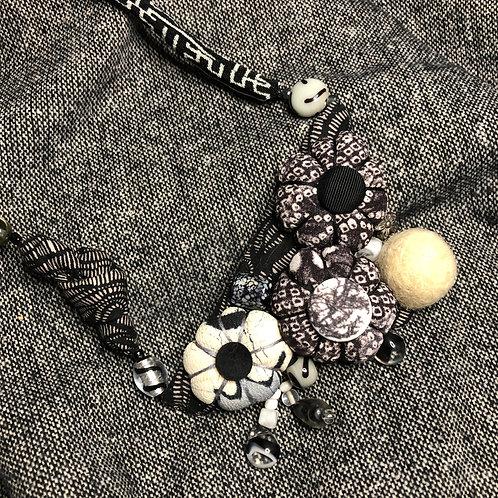 Triangular Umo Blossom (Black & White)