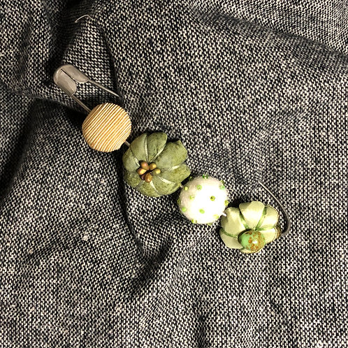 Felted Pin (Green, Tan, White)