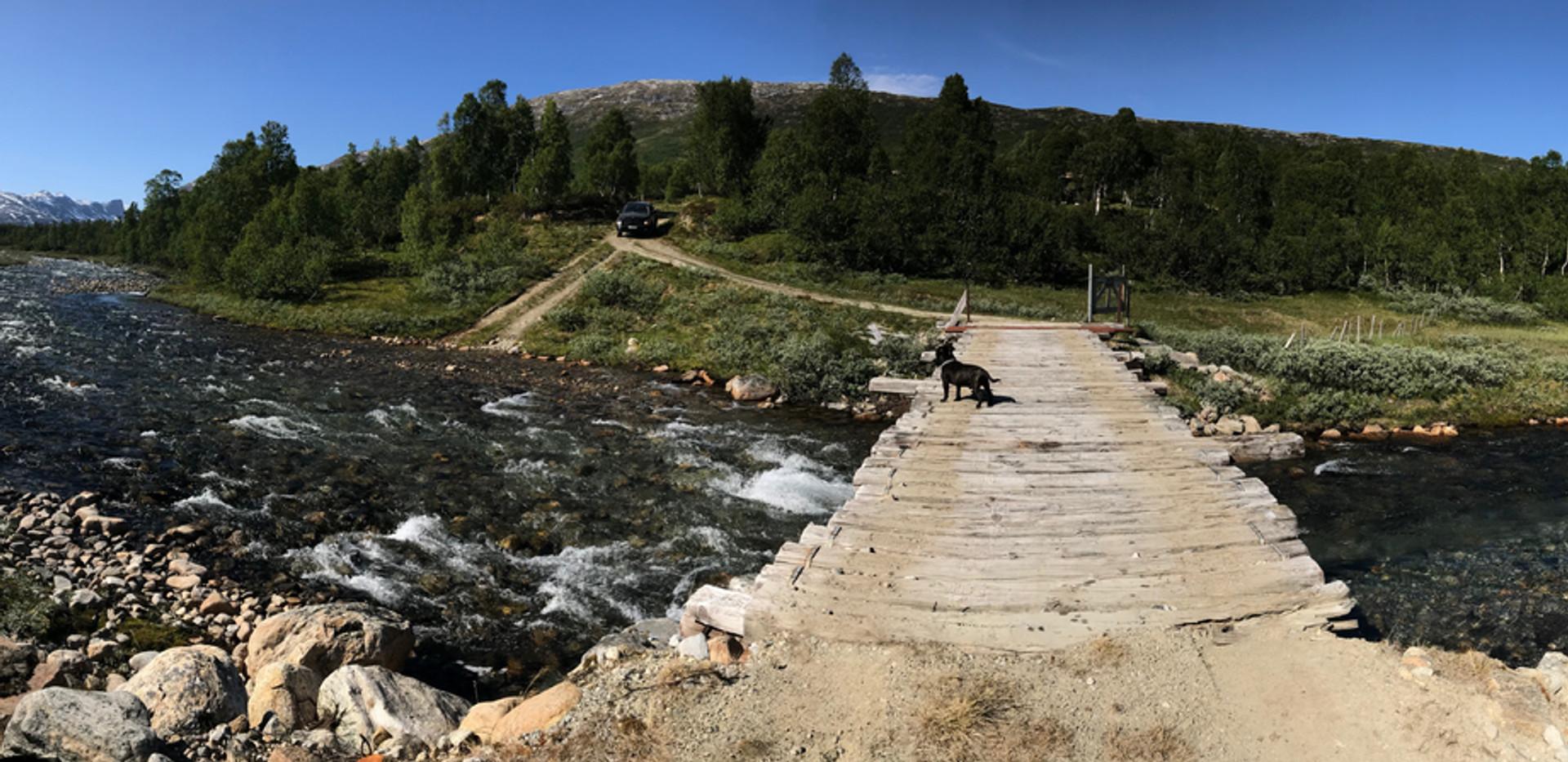 Bro over elv ved sætherstølen