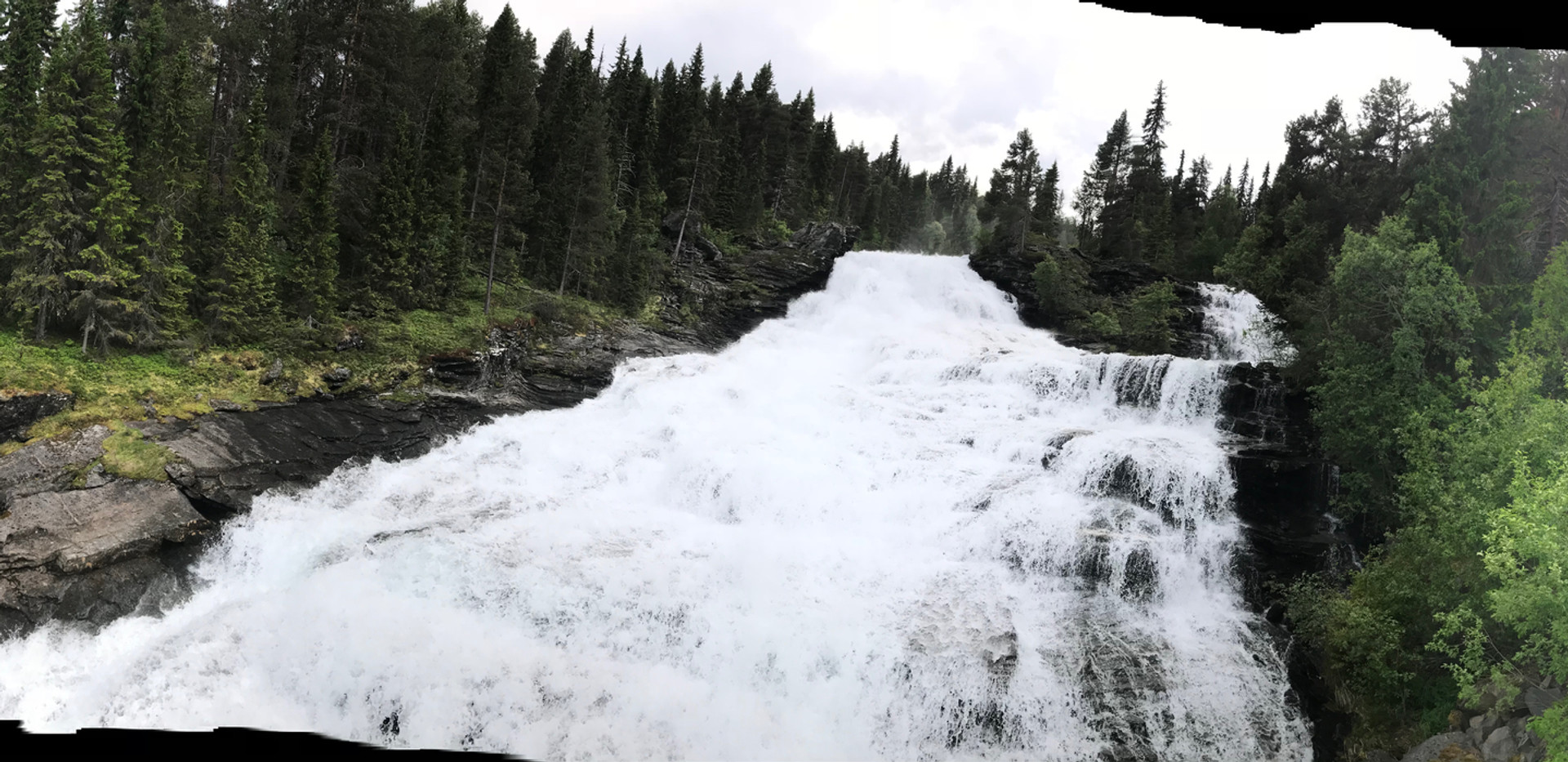Bru over vermafossen