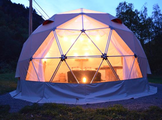 Strøm i teltet