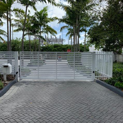 Aluminium Swing Mode Gate 36