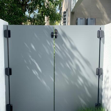 Aluminium Pedestrian Door 48