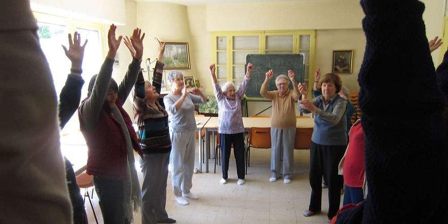 sophrologie-pour-les-seniors.jpg