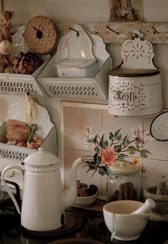 objets_de_cuisine_en_émail