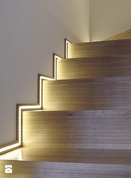 Leds contour escalier