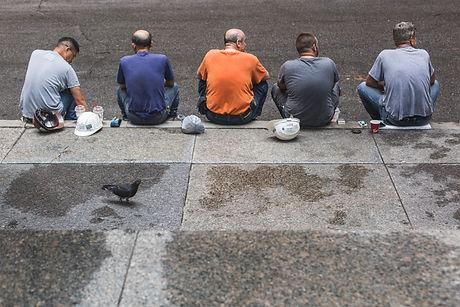 five-construction-workers-on-break_4460x