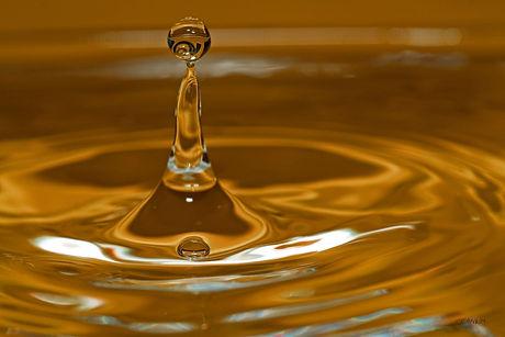 waterdrops-8-1184377-1279x852.jpg