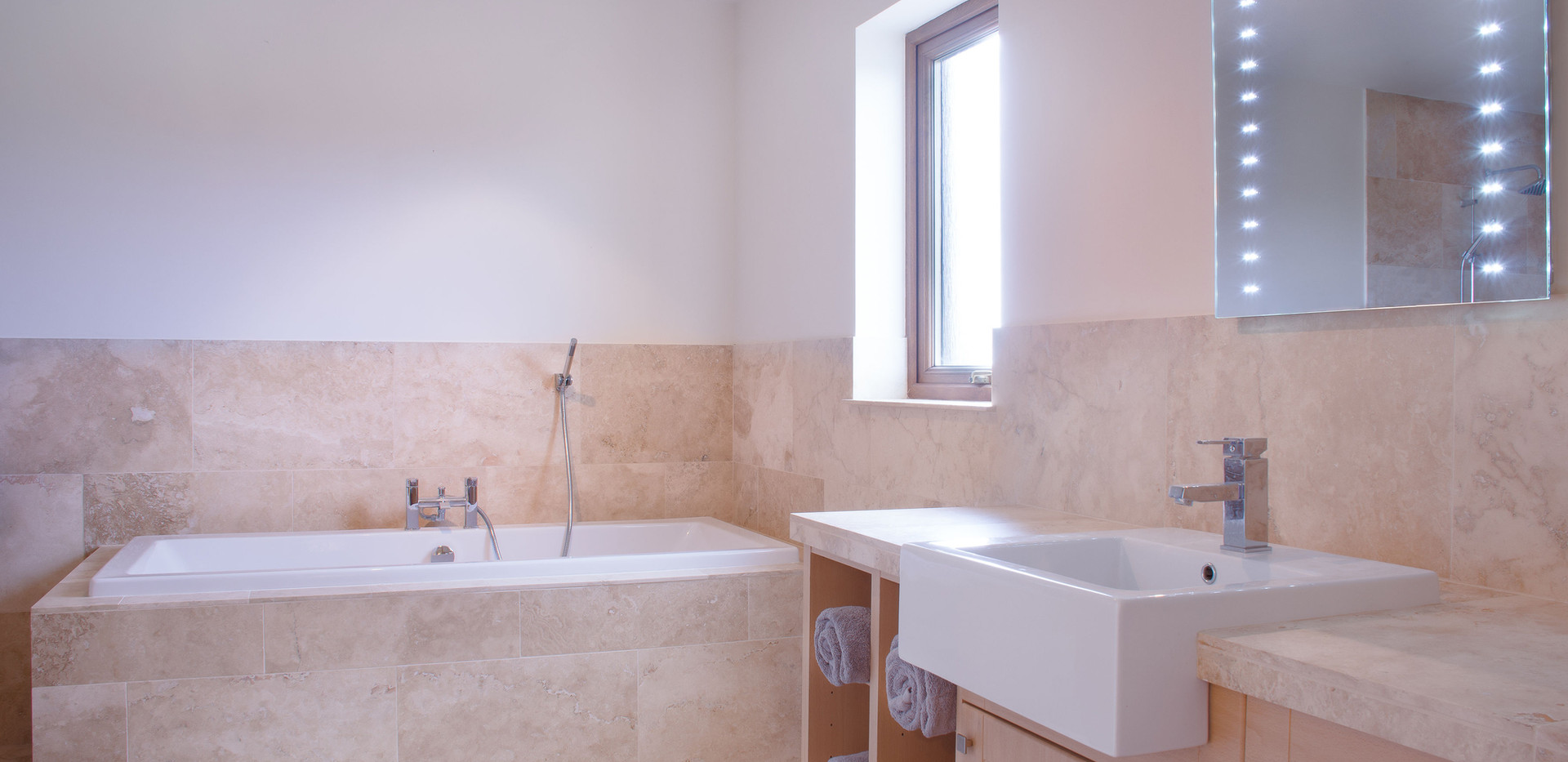 Earl Thorfinn luxury ensuite with walk in shower and bath