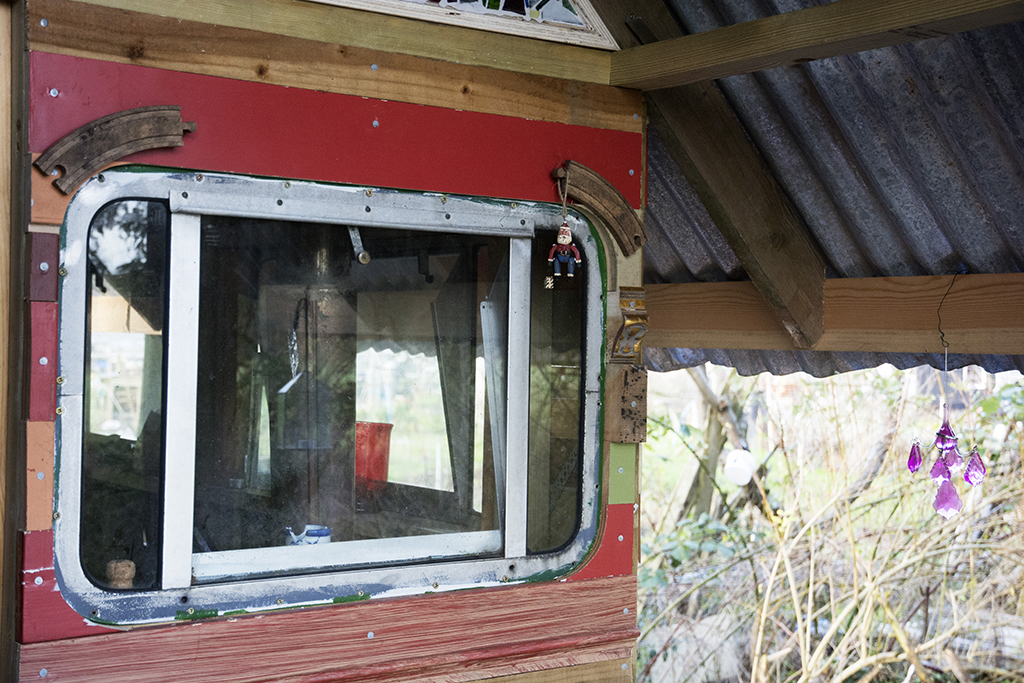 front window compress