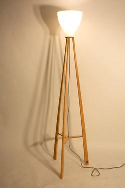 Tall tripod lamp in Oak