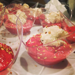 Verrine beets, goat cheese & sesame seeds