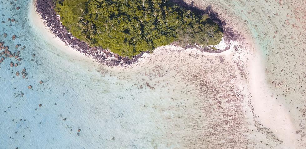 COOK ISLANDS COASTLINE
