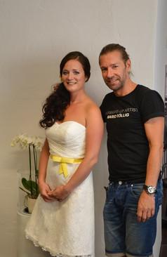 Mario Röllig und die fertig gestylte Braut Rosi