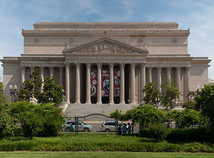 1920px-US_National_Archives_Building.jpg