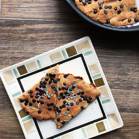 Classic Cookie Skillet (Paleo, Low Carb!)