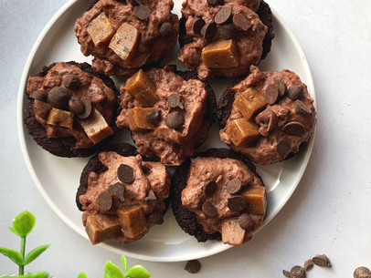 Double Chocolate Cookie Pudding Pies (Gluten Free & Low Carb)